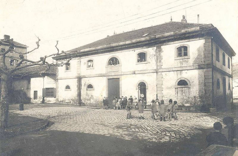 Viteri Eskola Zaharra / Antigua escuela Viteri